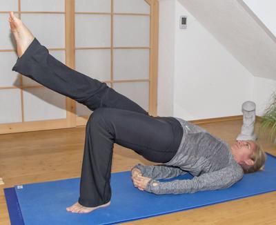 Yoga zum Abnehmen: Brücke (Variation)