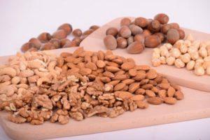 Gewicht verlieren mit 10 natürlichen Nahrungsmitteln: Nüsse
