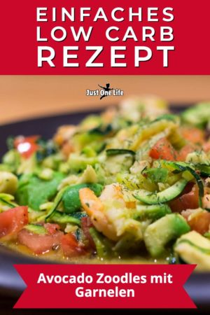 Low Carb Rezept: Avocado Zoodles mit Garnelen